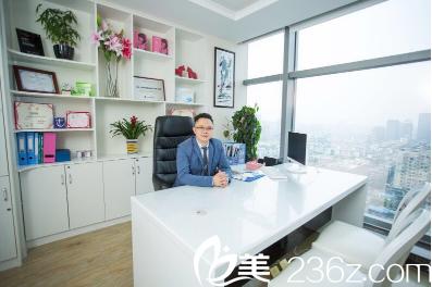 成都美雅娜医疗美容医院院长廖连平